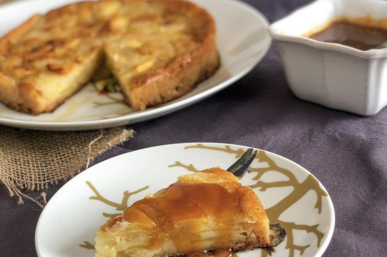 Gâteau fondant aux pommes et poires